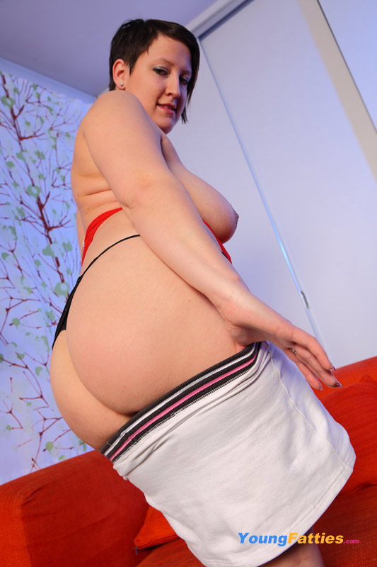 going-down-on-a-naked-fat-girl