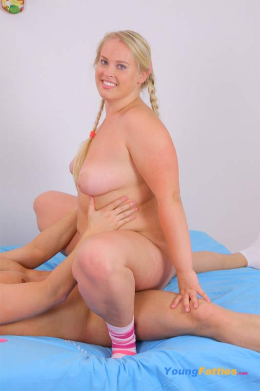 Young chubby girls fucking tubes — photo 1