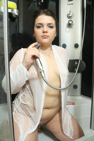 plump showering