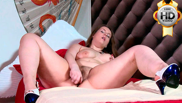 Hot chubby college girl fucks herself with a dildo