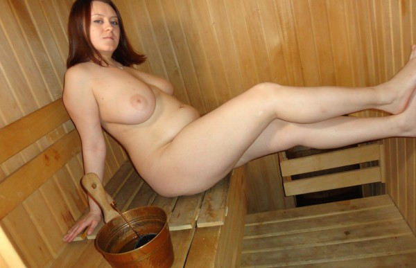 Young BBW posing naked in sauna